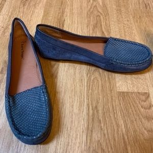 Navy blue leather flats
